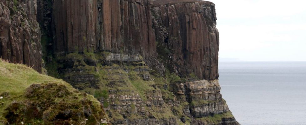 The Isle of Skye is a popular Scottish Highlands destination! With natural fairy pools, stunning cliffs, and a varied history, it's a must see in Scotland..