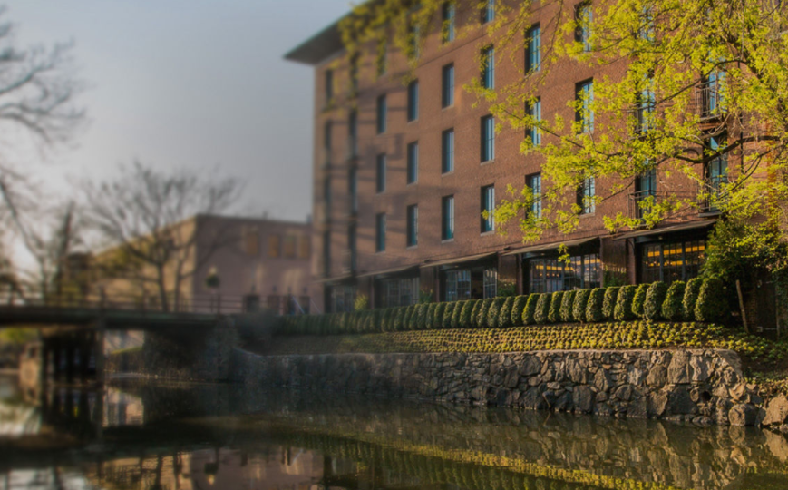 The charming Rosewood Georgetown boutique hotel, on the banks of the C&O canal, is the perfect place to stay during your time in Washington DC.